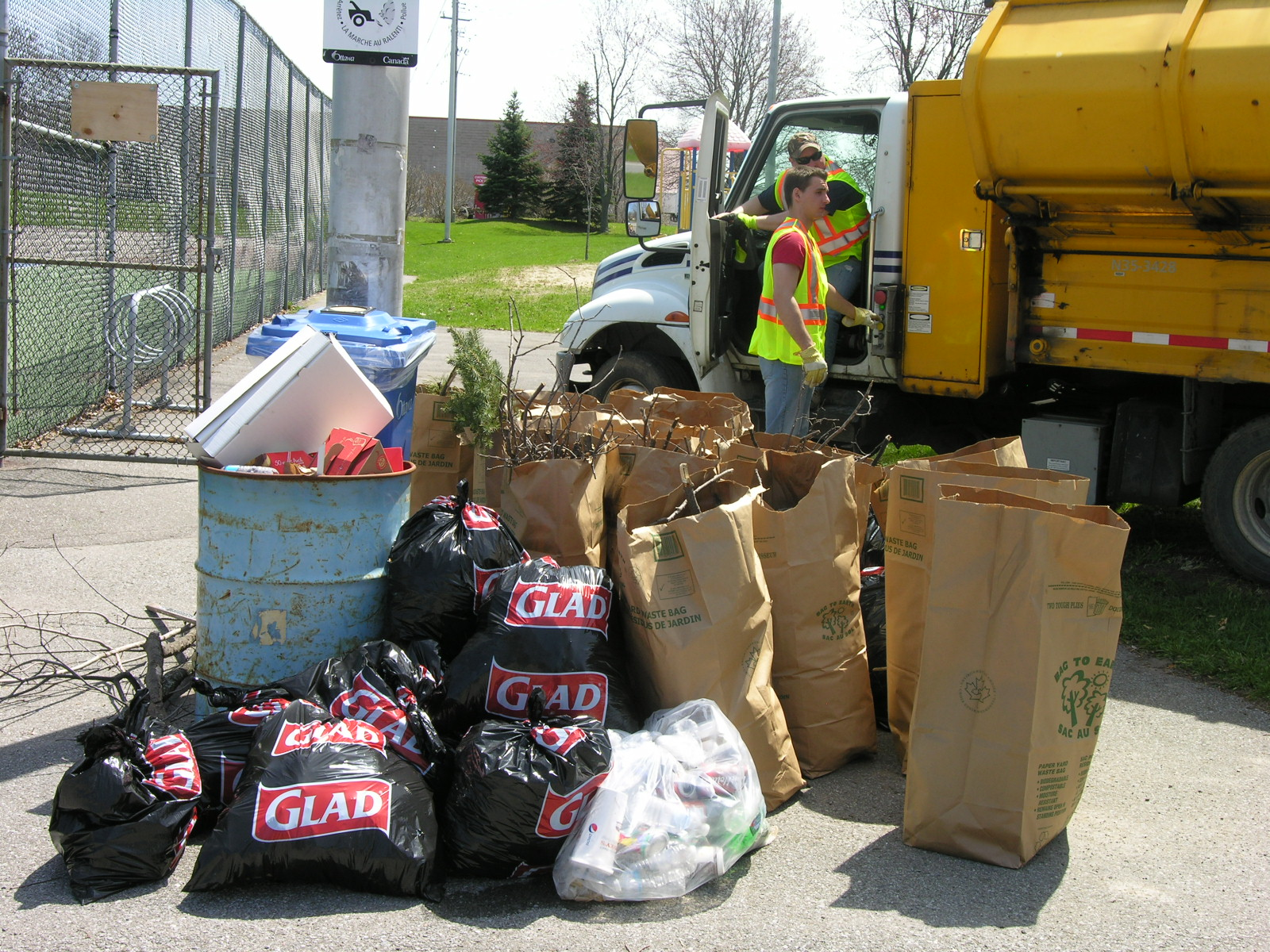May 7th - Litter, branches, leaves picked up by students from Redeemer High School (morning shift).  Thank you Danilo Orozco for organizing the clean-up.